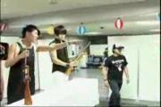 คลิป แจจุง ยูชอน จุนซู เล่นยิงปืนยาง.