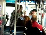 คลิป ทะเลาะ, ต่อย, ทะเลาะกับคนแก่, โดนต่อย, รถเมล์, รถประจำทาง, คลิปโดนต่อย