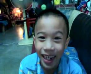 คลิป เด็กไทย  คอเคล็ด  ฮาสุดยอด