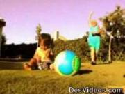 คลิป คุณยายนักฟุตบอล1
