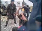 คลิป ทหาร อิรัก โชว์ตอกไข บนศีรษะ