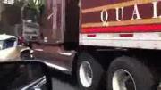 คลิป อุบัติเหตุ รถชน รถยนต์ รถบรรทุก อัด ประมาท อันตราย