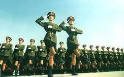เคยเห็นป่าว ?? ทหารหญิงจีนสวนสนาม เทห์ๆ ^-^