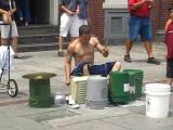 คลิป ศิลปิน ข้างถนน ตี กระป๋อง กลอง เจ๋ง Amazing Street drummer