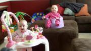 คลิป เด็กทารก ฝาแฝด แม้กระทั่งฮาก็ต้องฮา พร้อมกันน่ารักจริงๆ