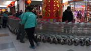 วิธีเก็บรถเข็นห้าง ของพี่จีนเค้าล่ะสุดยอดไอเดียจริงๆ
