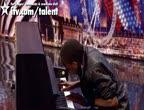 คลิป สุดเจ๋ง, เพลง, สุดยอด, ไอ้หนูเปียโน , เล่นเปียโน,Paul Gbegbaje Britain's Got Talent ,audition
