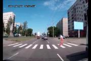 เรื่องแปลกๆ ยายช่วยยาย คนแก่ข้ามถนน ข้ามถนน โคตรซวย ทำดีไม่ได้ดี ขำขำ