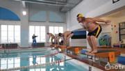 แข่งขันว่ายน้ำ   ห้ามเลียนแบบ ดื่มเหล้า