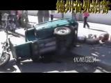 อุบัตเหตุ ขาขาด รถ รถคว่ำ สยอง จีน