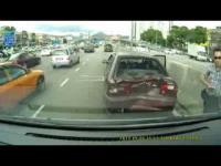 กล้องติดรถยนต์ สุดเขตเตือนปุ๊บ ชนปั๊บ!!!!!