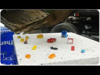 มือนิ่งโครตๆ ใช้รถตักดินต่อเลโก้