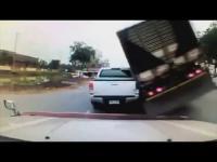 รวมอุบัติเหตุบนถนนทั่วไทย 2015