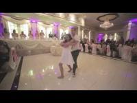 เป็นงานแต่งที่น่ารักมาก บ่าวสาวเต้นโชว์กลางงาน แต่เจอพ่อเจ้าสาวเซอร์ไพรส์กว่า