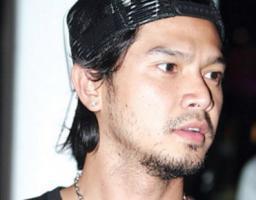 คุก เต๋า สมชาย เข็มกลัด 15 วัน คดีทำร้าย โกตา