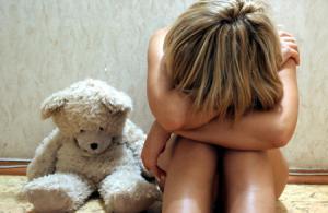 ร้อง ปวีณา ลูกสาว 5 ขวบ ถูก ข่มขืน ใน บ้านบอล กลางห้าง