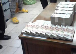รวบ 2 สาวชาวลาว ลักลอบขนเงิน 10 ล้าน ออกจากไทย