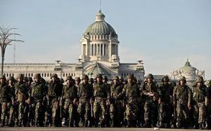 ต้องอ่าน! สหรัฐฯไม่มีเกณฑ์ทหาร แต่ทำไมมีทหารเต็มเมือง