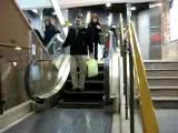 บันไดเลื่อน สั้น แปลก Short Escalator