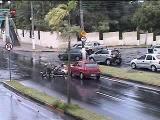 คลิป อุบัติเหตุ รถยนต์ ชน มอเตอร์ไซต์ จักรยานยนต์