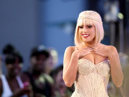 คลิป เลดี้กากา  โชว์  แคมฟอก  Lady GaGa เลดี้ กาก้า