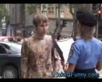ตำรวจสาวกระโปรงหลุด