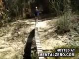 คลิป จักรยาน vs สะพาน