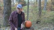 คลิป ยิงปืน ปืนสั้น ยิงฟังทอง ปู่ ฝีมือ สุดยอด Halloween ฮาโลวีน Gun Pumpkin Carving