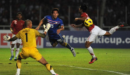 คลิป  อินโดนีเซีย 2-1 ไทย..ฟุตบอลเอเอฟซี ซูซูกิ คัพ 2010