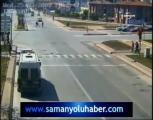 คลิป อุบัติเหตุ รถชน สี่แยก ประมาท อันตราย รถยนต์ อันตราย