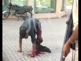 คลิป เลือดเย็น ทหาร ปากีสถาน ยิง ผู้ต้องสงสัย ปล่อย เสียเลือด ตาย