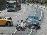 คลิป หลุดโค้ง อุบัติเหตุ รถชนกัน