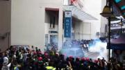 ตำรวจ! ยิงแก๊สน้ำตาถล่มผู้ชุมนุมใน มาเลเซีย