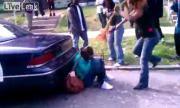 คลิป สาวสองคนตบกันบนถนน