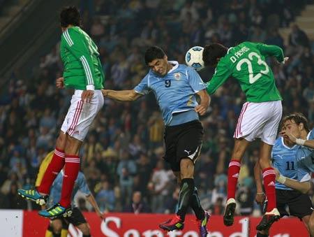 คลิป อุรุกวัย 1-0 เม็กซิโก..โคปา อเมริกา 2011 กลุ่ม ซี