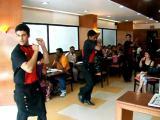 คลิป Pizza Hut India สเต็ปแดนซ์ บันเทิง ไอเดีย ดึงดูด ลูกค้า พิซซ่า พิซซ่าอินเดีย An Indian Pizza Hut - F