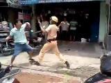 เวียดนาม โหด ท่อเหล็ก ไล่ตี ตำรวจ