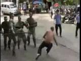 วางแผน ทหาร จับกุม ผู้ชาย คลุ้มคลั้ง ฤทธิ์ยา เสพติด