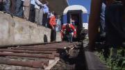 คลิป หนุ่มซีเรียโชว์แกร่ง ลากขบวนรถไฟที่หนักร่วม 100 ตัน..!!