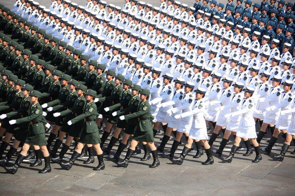 คลิป การเดินสวนสนามของทหารหญิงใน จีนและเกาหลีเหนือ