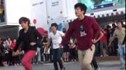 คลิป ลีลาการเต้น ของพวกเขาสุดยอดจริงๆ