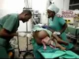 วัยรุ่นแอฟริกาให้หมอเอาเด็กออก สลดมาก!