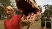 ไดโนเสาร์ ทีเร็ค อาละวาด นักเรียน วงแตก น่ากลัว เหมือนจริง สนุก เฮฮา คลายเครียด