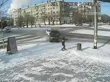 คลิป หวาดเสียว ภาพจากกล้องวงจรปิด กล้องวงจรปิด CCTV เฉียดตาย รอดตาย รถฝ่าไฟแดง รถชนกัน เกือบตาย รอดปาฏิหา