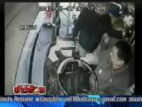 คลิป หนุ่มจีน ฮีโร่ช่วยจับโจรชิงกระเป๋าผู้หญิง