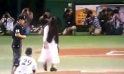 คลิป คลิปกีฬาหลอนปนฮา, ผีญี่ปุ่น, สนามเบสบอล