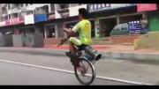 จักรยาน, จักรยานล้อเดียว, จักรยานไม่มีล้อหน้า, คนจีน, จีน, จักรยาน ล้อหน้าหาย, จ
