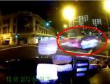 คลิป ซิ่งสยอง! เฟอร์รารี่ฝ่าไฟแดงพุ่งชนแท็กซี่สิงคโปร์