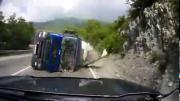 คลิป อุบัติเหตุ, คลิปอุบัติเหตุ, น่ากลัว, รถคว่ำ, นาทีระทึก!, รถบรรทุกคว่ำ,รัสเชีย,  เข้าโค้ง
