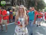 นักข่าวสาวกับแฟนบอลชาวฮอลแลนด์ ไม่เป็นทำข่าวกัน